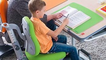 Готовимся к школе. Столы и стулья