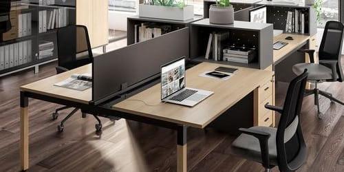 CALL-центри, столи з перегородками